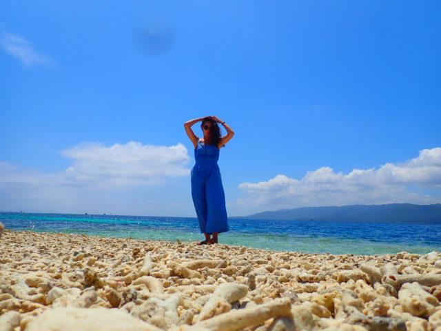 バラス島でポーズ