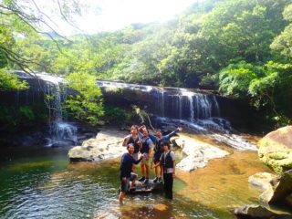 サンガラの滝選べるSUPorカヌー&ケイビング(鍾乳洞探検)