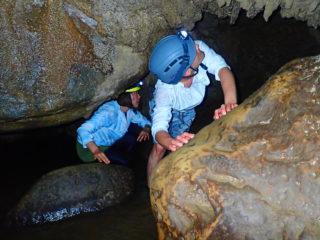 大自然のパワーを感じる!ピナイサーラの滝カヌー&ケイビング(鍾乳洞探検)