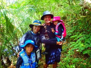 「サンガラの滝」を目指して進め!ジャングルSUP&トレッキング