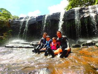サンガラの滝SUPorカヌー&「奇跡の島」バラス島シュノーケリング