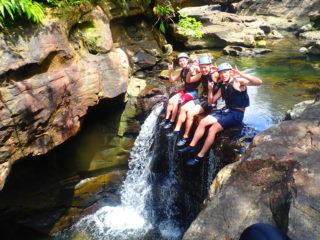 【半日】川に飛び込んで天然のアスレチック!スプラッシュキャニオニング(渓谷下り)