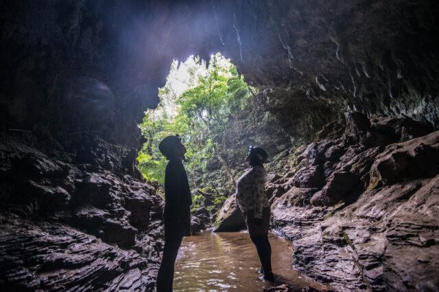 西表島 鍾乳洞探検ケイビング