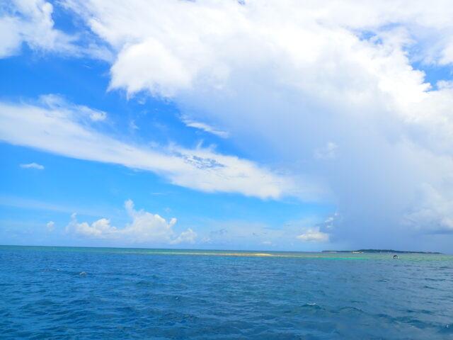 バラス島の海